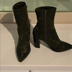 Camouflage Stretch Ankle Boots